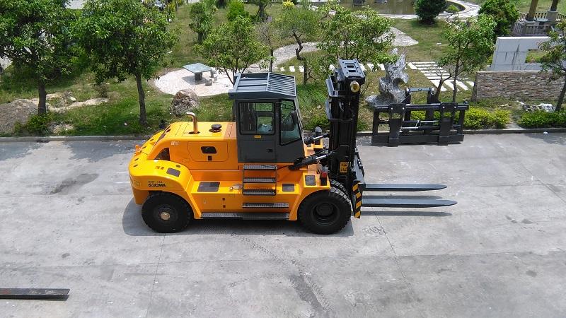 华南重工叉车 比较合力杭叉重型15吨叉车配置质量价格