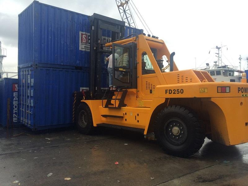 叉车厂家重型叉车供应制造商华南重工直销批发25吨叉车