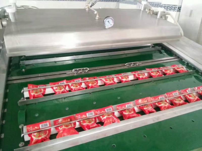供应优质1000型玉米棒真空包装机